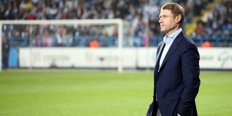 ВГрозном фанаты «Терека» забросали посторонними предметами основного тренераФК «Краснодар»
